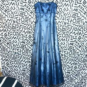 Early 00s size 4 Homecoming Prom Dress